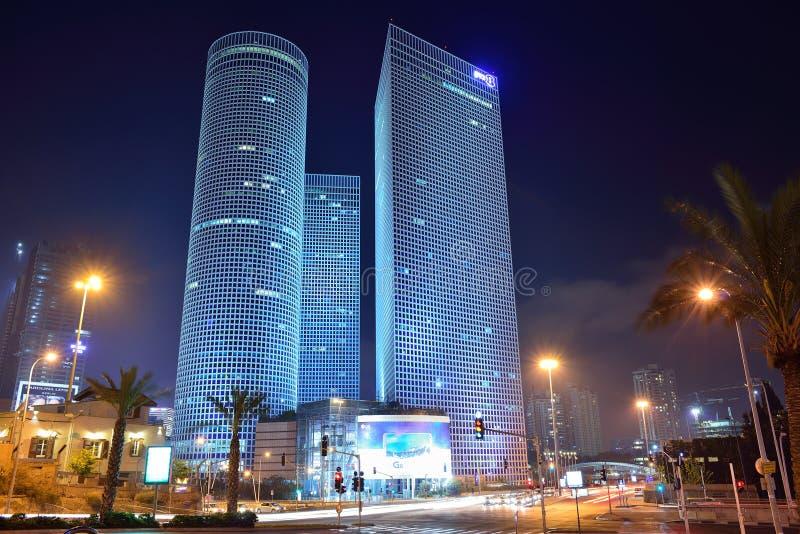ΤΕΛ ΑΒΙΒ, ΙΣΡΑΗΛ - ΤΟΝ ΑΠΡΊΛΙΟ ΤΟΥ 2017: Πόλη νύχτας, κέντρο Azrieli, Ισραήλ στοκ εικόνα με δικαίωμα ελεύθερης χρήσης