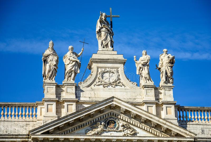 Τεμάχιο του κιγκλιδώματος του καθεδρικού ναού του ST John ο βαπτιστικός στο Hill Lateran στη Ρώμη στοκ φωτογραφία με δικαίωμα ελεύθερης χρήσης