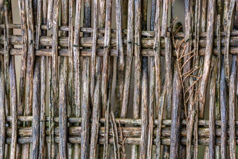 Τεμάχιο υποβάθρου μιας παλαιάς ψάθινης καρέκλας φιαγμένης από ξύλινους κλαδίσκους στοκ εικόνες με δικαίωμα ελεύθερης χρήσης