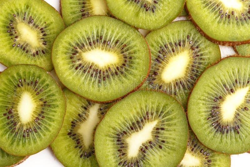Τεμαχισμένα juicy φρούτα ακτινίδιων επάνω από την όψη στοκ εικόνα