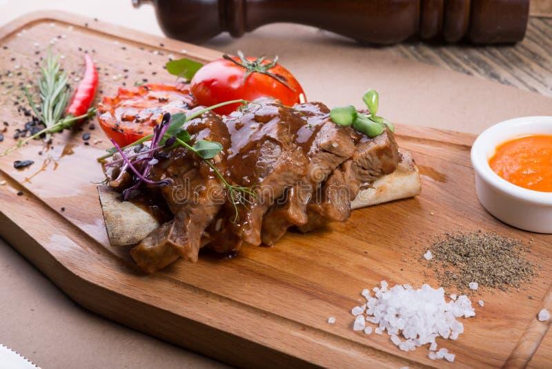 Τεμαχισμένη μπριζόλα βόειου κρέατος στοκ φωτογραφία