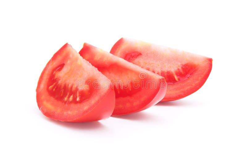 Τεμαχισμένη ντομάτα στο λευκό στοκ εικόνα