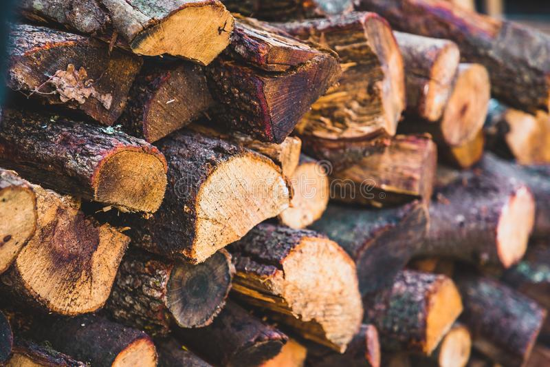 Τεμαχισμένη προοπτική κούτσουρων πυρκαγιάς ξύλινη στοκ εικόνα με δικαίωμα ελεύθερης χρήσης