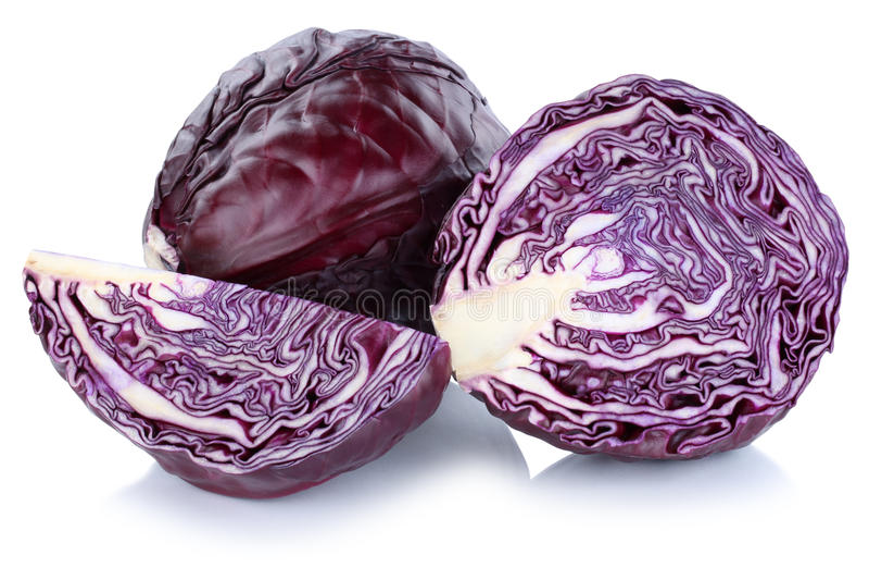 Τεμαχισμένο λαχανικό φετών κόκκινων λάχανων που απομονώνεται στοκ εικόνες