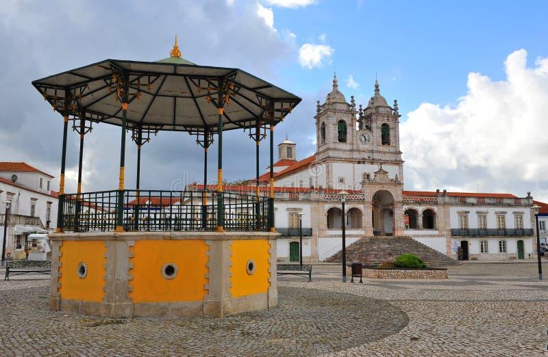 Τετράγωνο καθεδρικών ναών της παλαιάς πόλης Nazare στοκ φωτογραφία