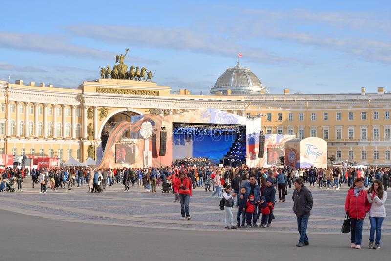 Τετράγωνο παλατιών την ημέρα νίκης στοκ εικόνα με δικαίωμα ελεύθερης χρήσης