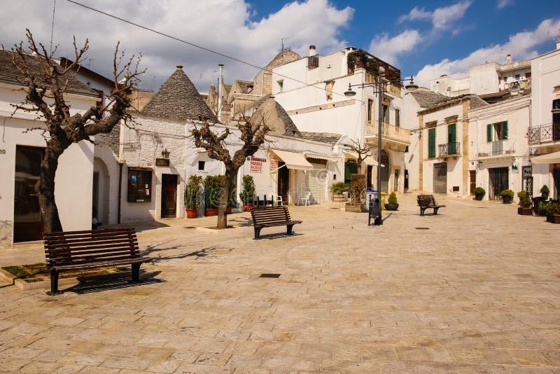 Τετράγωνο σε βραδύτατο Martellotta, Alberobello Apulia Ιταλία στοκ εικόνες με δικαίωμα ελεύθερης χρήσης