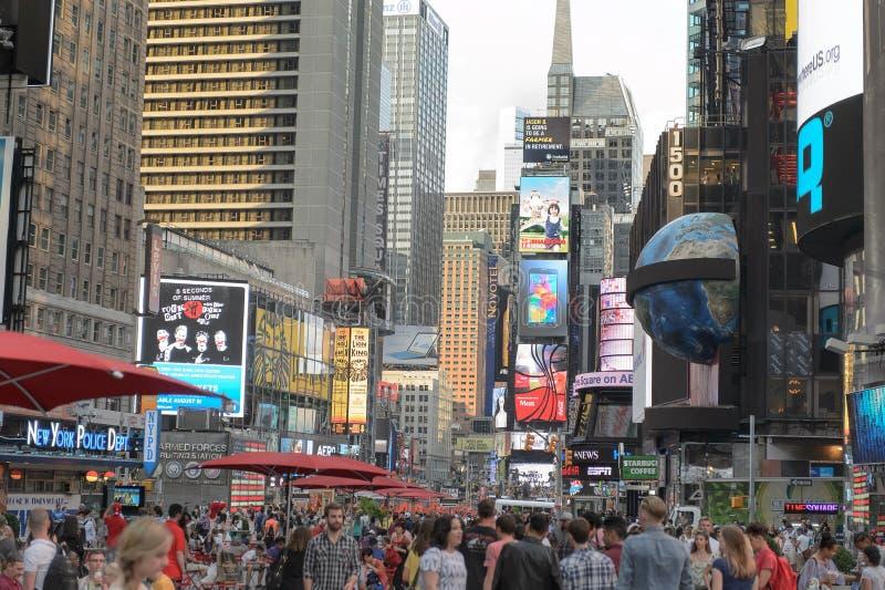 Τετράγωνο τουριστών κατά περιόδους στοκ εικόνες