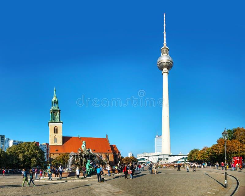 Τετράγωνο Alexanderplatz στο Βερολίνο, Γερμανία στοκ εικόνες