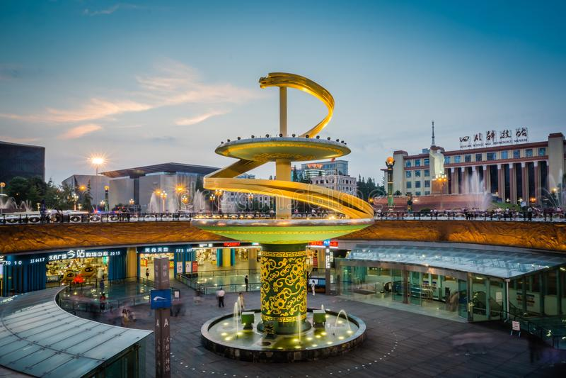 Τετράγωνο Tianfu σε στο κέντρο της πόλης Chengdu στοκ εικόνες