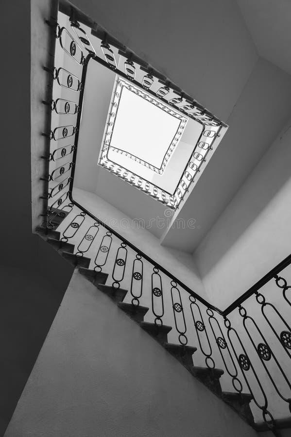 Τετραγωνική σκάλα στοκ φωτογραφία με δικαίωμα ελεύθερης χρήσης