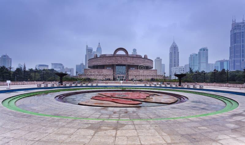 Τετραγωνικό μέτωπο μουσείων της Κίνας Σαγκάη Ppl στοκ φωτογραφίες