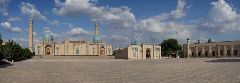 Τετραγωνικό πανόραμα ιμαμών Khazrati, Τασκένδη, Ουζμπεκιστάν στοκ φωτογραφία με δικαίωμα ελεύθερης χρήσης