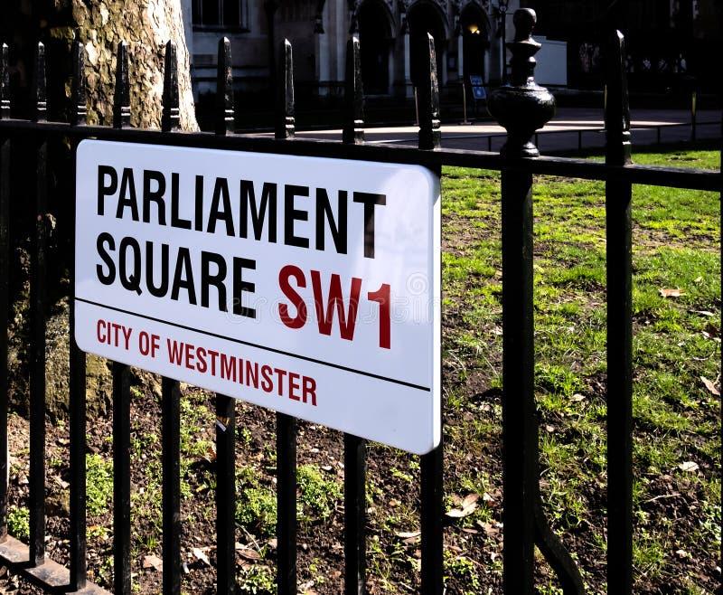 Τετραγωνικό σημάδι του Κοινοβουλίου στοκ φωτογραφίες με δικαίωμα ελεύθερης χρήσης
