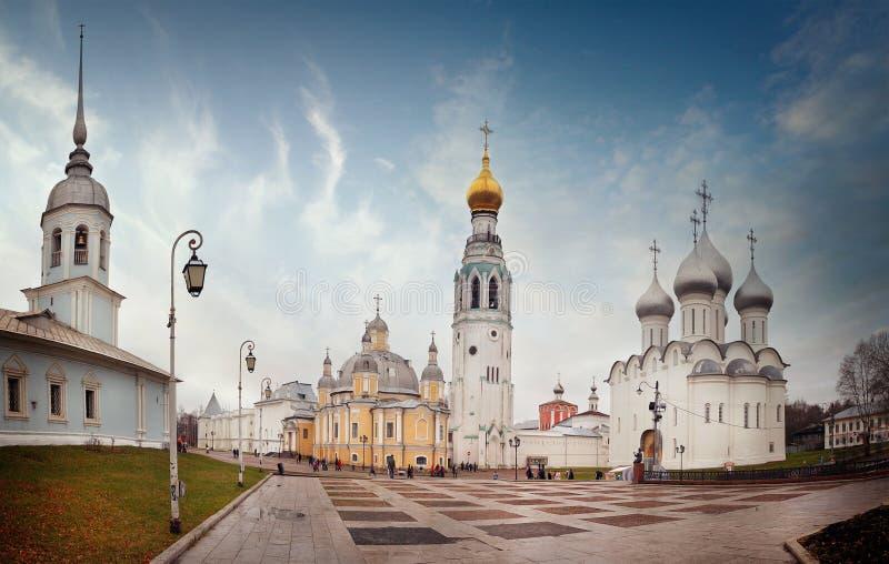 Τετραγωνικό vologda του Κρεμλίνου Ορθόδοξων Εκκλησιών στοκ εικόνα με δικαίωμα ελεύθερης χρήσης