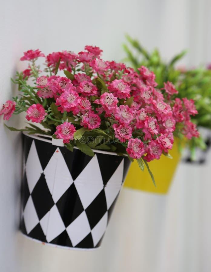 Τεχνητά λουλούδια στοκ εικόνες με δικαίωμα ελεύθερης χρήσης
