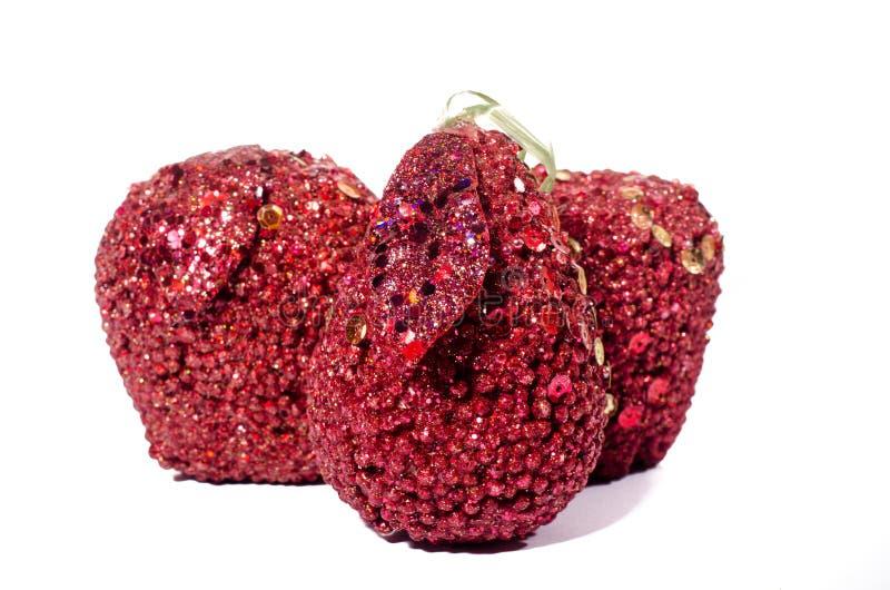 Τεχνητό κόκκινο μήλο, που απομονώνεται στην άσπρη υγεία πείνας υποβάθρου στοκ εικόνα με δικαίωμα ελεύθερης χρήσης
