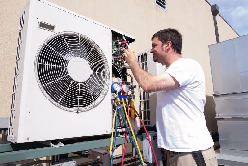 Τεχνικός HVAC στοκ φωτογραφία με δικαίωμα ελεύθερης χρήσης