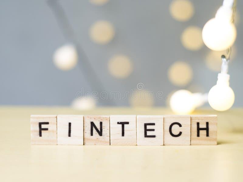 Τεχνολογία Fintech, έννοια χρηματοδότησης αποσπασμάτων επιχειρησιακών λέξεων στοκ εικόνες