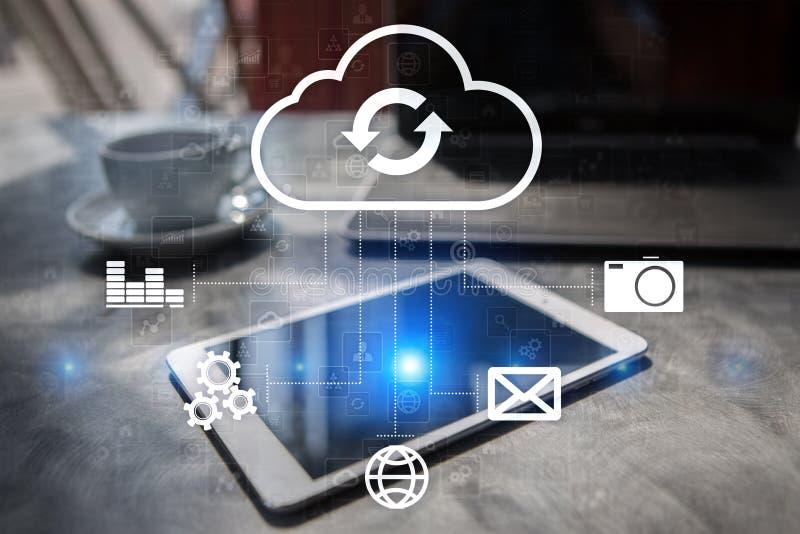 Τεχνολογία σύννεφων Αποθήκευση στοιχείων Έννοια δικτύωσης και υπηρεσιών Διαδικτύου στοκ εικόνα με δικαίωμα ελεύθερης χρήσης