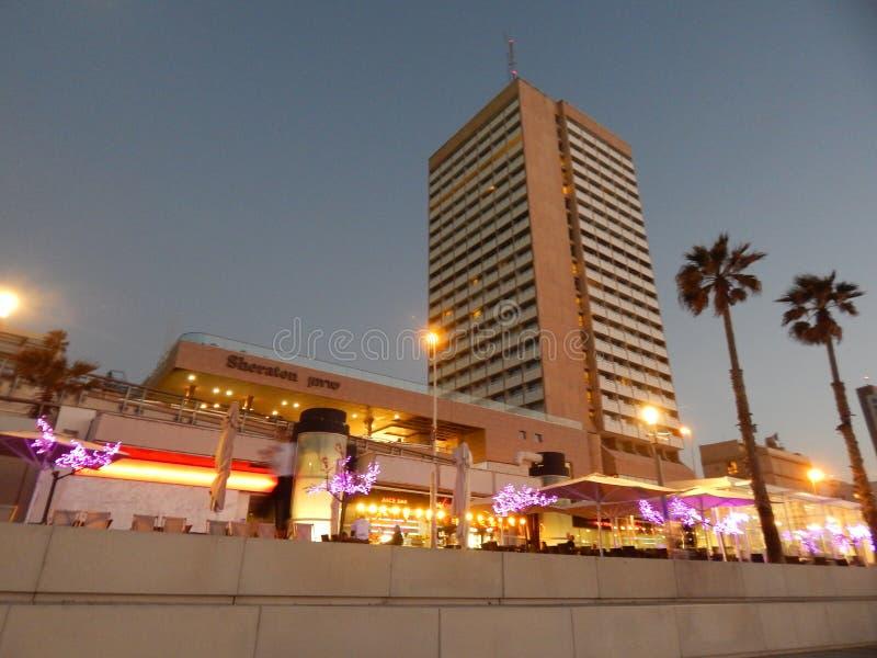 Τελ Αβίβ στο ηλιοβασίλεμα στοκ φωτογραφίες