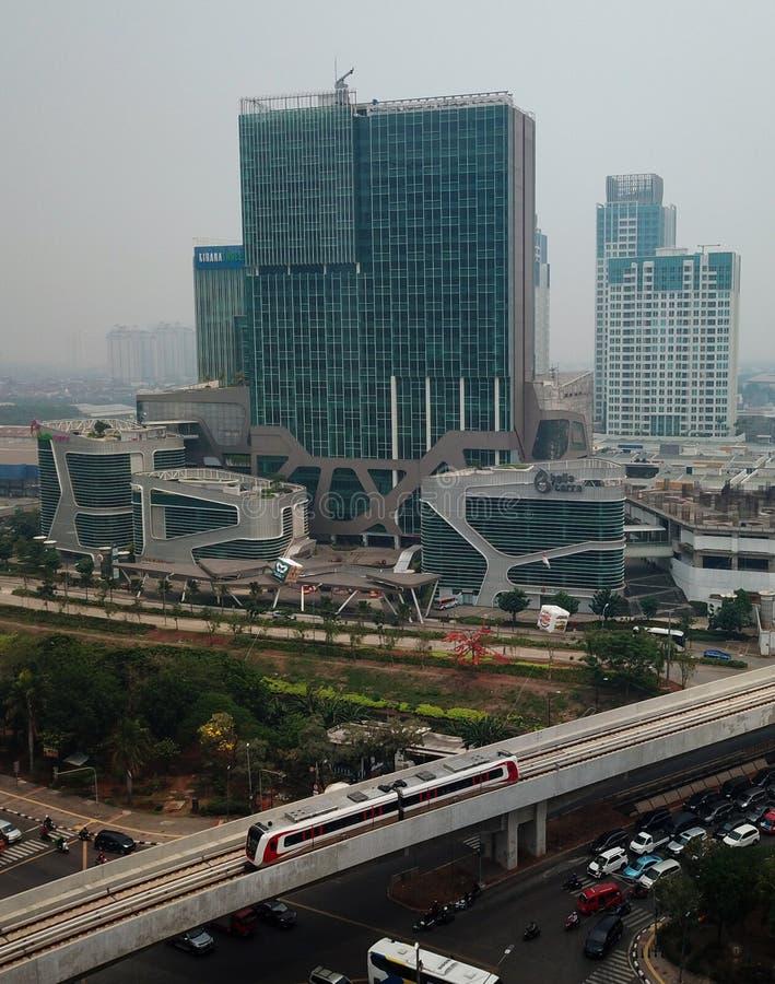 ΤΖΑΚΆΡΤΑ - Ινδονησία 12 Δεκεμβρίου 2019: Η Jakarta Light Rail Transit είναι ένα από τα ελαφρά συστήματα μετρό που συνδέουν την Ke στοκ εικόνες με δικαίωμα ελεύθερης χρήσης