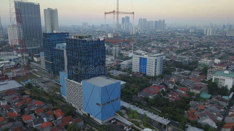 ΤΖΑΚΆΡΤΑ - Ινδονησία 09 Ιουλίου 2018: Εναέρια άποψη της ατμοσφαιρικής ρύπανσης που καλύπτει την πόλη της Τζακάρτα την ώρα της δύσ στοκ φωτογραφίες με δικαίωμα ελεύθερης χρήσης