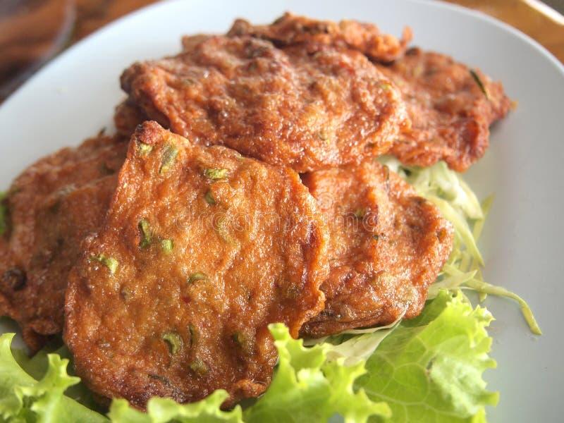 Τηγανητά κέικ ψαριών, ταϊλανδέζικο στυλ στοκ εικόνα