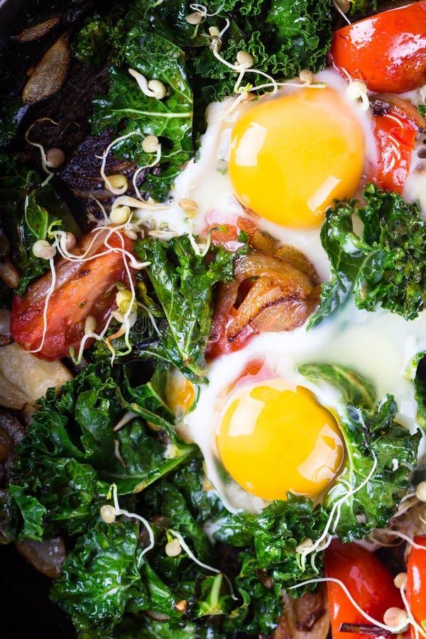 τηγανισμένα αυγά λαχανικά στοκ εικόνα με δικαίωμα ελεύθερης χρήσης