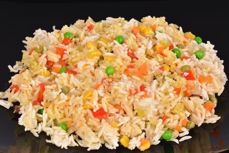τηγανισμένα λαχανικά ρυζι στοκ εικόνα