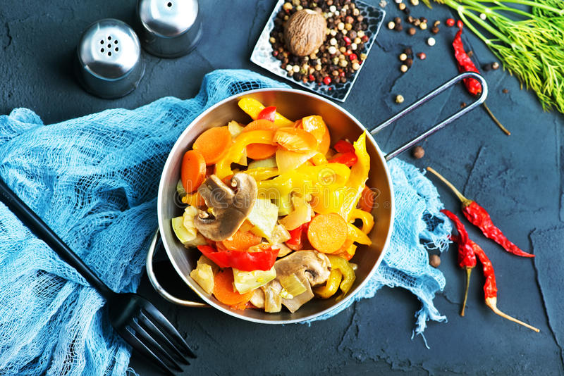 τηγανισμένα λαχανικά στοκ εικόνες με δικαίωμα ελεύθερης χρήσης
