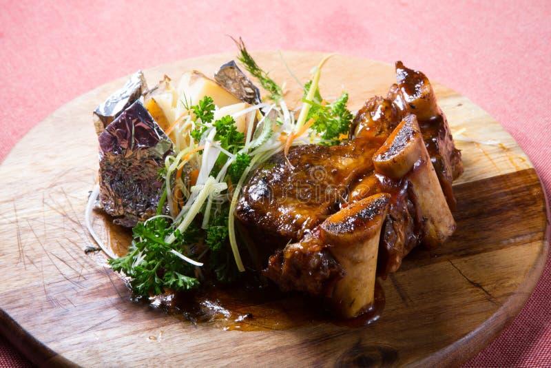 Τηγανισμένα πλευρά βόειου κρέατος στοκ εικόνα με δικαίωμα ελεύθερης χρήσης