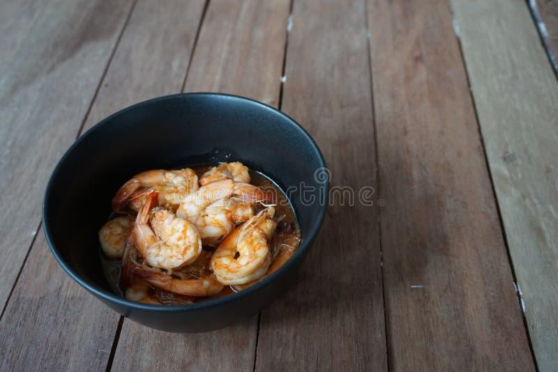 τηγανισμένες γαρίδες πιπ&ep στοκ εικόνα