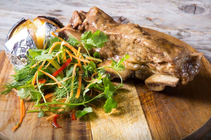 τηγανισμένη βόειο κρέας μπριζόλα στοκ φωτογραφίες