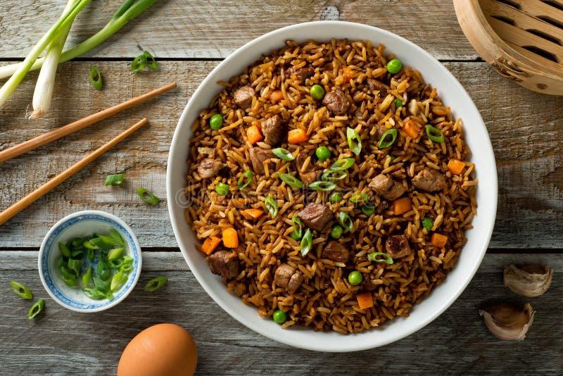 Τηγανισμένο βόειο κρέας ρύζι στοκ φωτογραφία με δικαίωμα ελεύθερης χρήσης