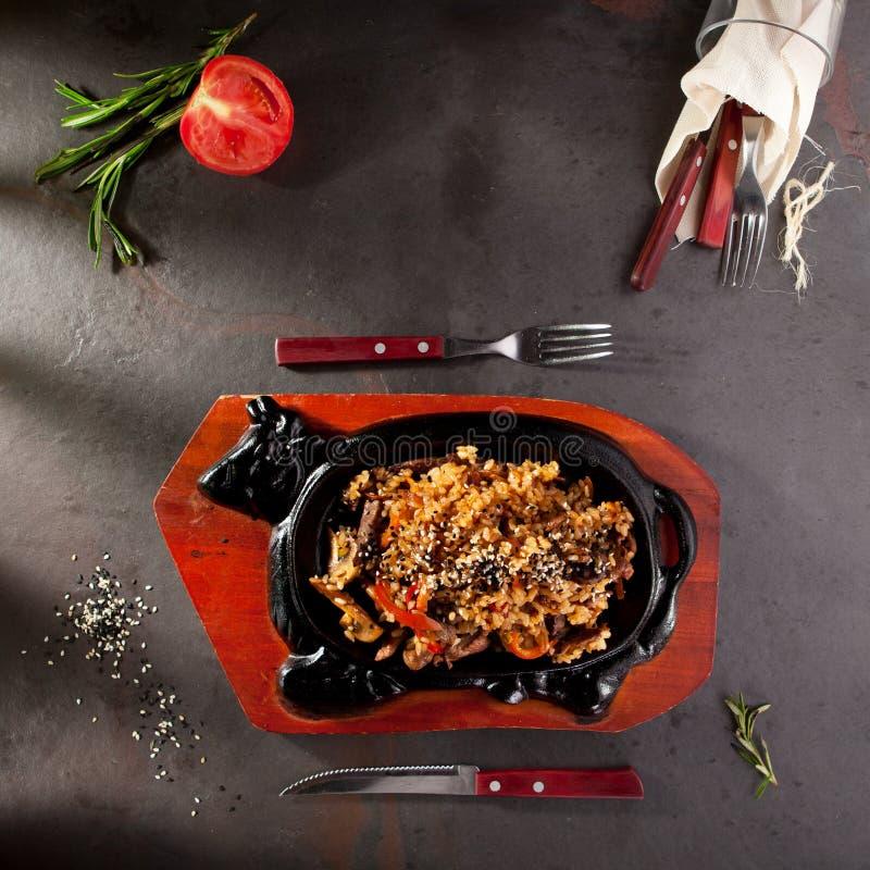 τηγανισμένο βόειο κρέας ρύ&ze στοκ φωτογραφία με δικαίωμα ελεύθερης χρήσης