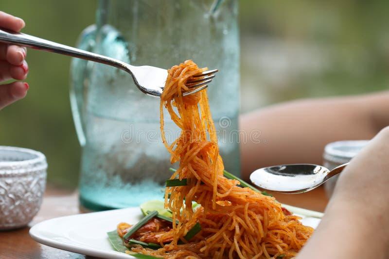 Τηγανισμένο ρυζιού μαξιλάρι Ταϊλανδός ονόματος κλήσης νουντλς ταϊλανδικό στοκ φωτογραφίες