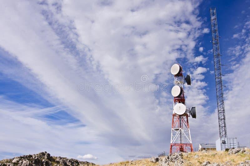 τηλεπικοινωνίες κεραιώ&n στοκ εικόνες