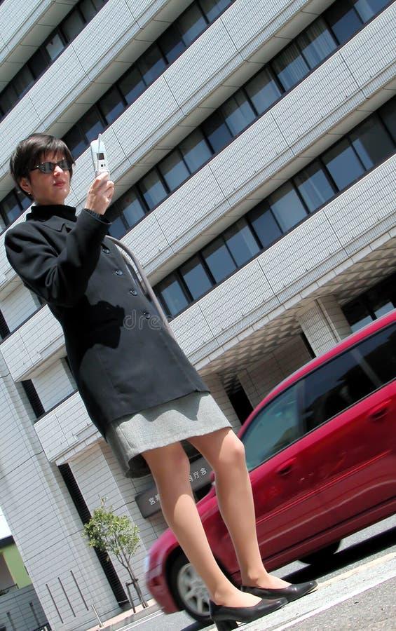 Download τηλεφωνική γυναίκα στοκ εικόνα. εικόνα από επιχείρηση, εταιρικός - 103027