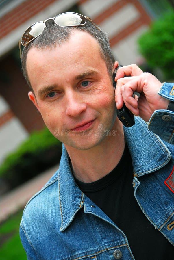 τηλεφωνική ομιλία ατόμων κ στοκ φωτογραφία