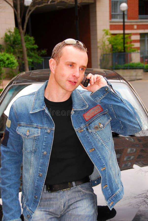 τηλεφωνική ομιλία ατόμων κ στοκ φωτογραφίες με δικαίωμα ελεύθερης χρήσης