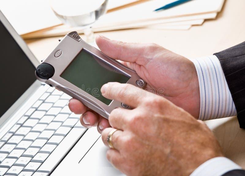 Download τηλεφωνικό κείμενο μηνύμα&ta Στοκ Εικόνες - εικόνα από άνθρωποι, κύτταρο: 17054064