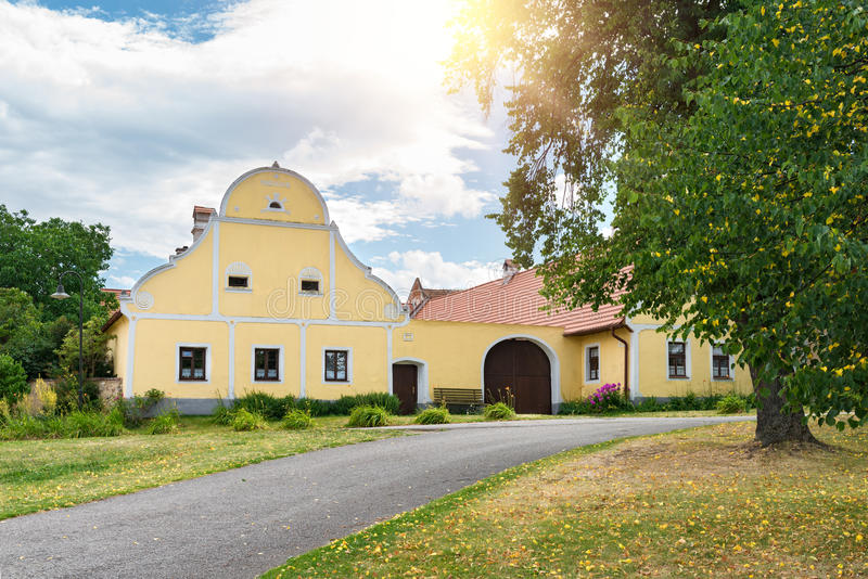 της Βοημίας τσεχικός διακοσμημένος κληρονομιάς holasovice σπιτιών κόσμος της νότιας ΟΥΝΕΣΚΟ περιοχών δημοκρατιών αγροτικός Περιοχ στοκ εικόνα με δικαίωμα ελεύθερης χρήσης
