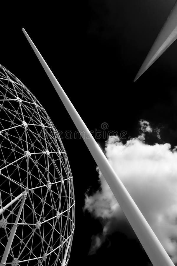 Της Βόρειας Ιρλανδίας του Μπέλφαστ μεταλλικό γλυπτό σφαιρών πόλεων ανόδου εμβληματικος στο Μπέλφαστ στοκ εικόνα με δικαίωμα ελεύθερης χρήσης