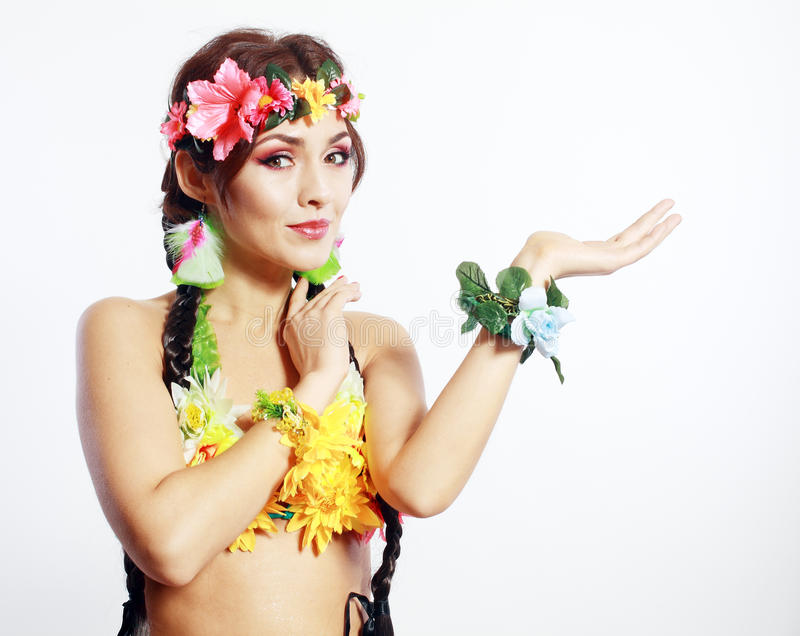 Της Χαβάης κορίτσι που παρουσιάζει ανοικτό φοίνικα στοκ εικόνες