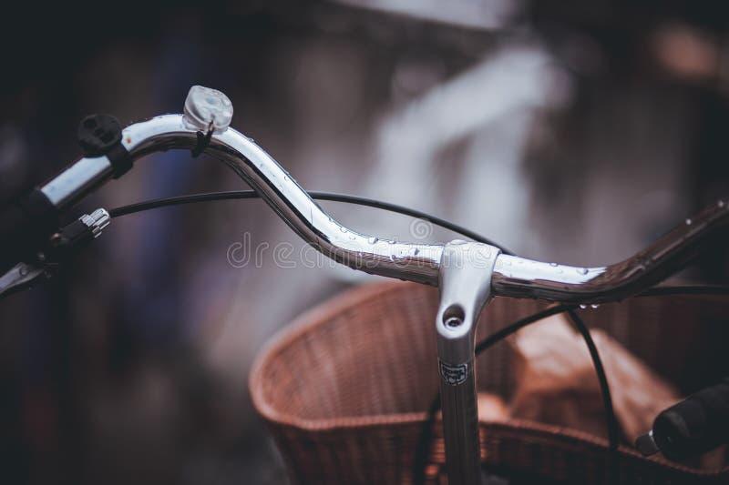 Τιμόνι του παλαιού ποδηλάτου στοκ εικόνα με δικαίωμα ελεύθερης χρήσης