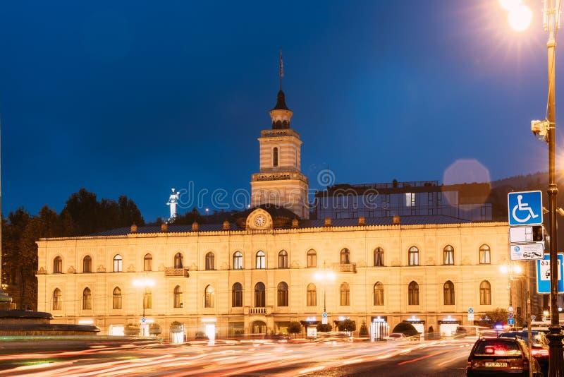 Τιφλίδα, Γεωργία Το Δημαρχείο Της Τιφλίδας Στην Πλατεία Ελευθερίας Στο Κέντρο Της Πόλης Κτίριο με αντίστροφη διάταξη Φιλοξενεί το στοκ φωτογραφίες