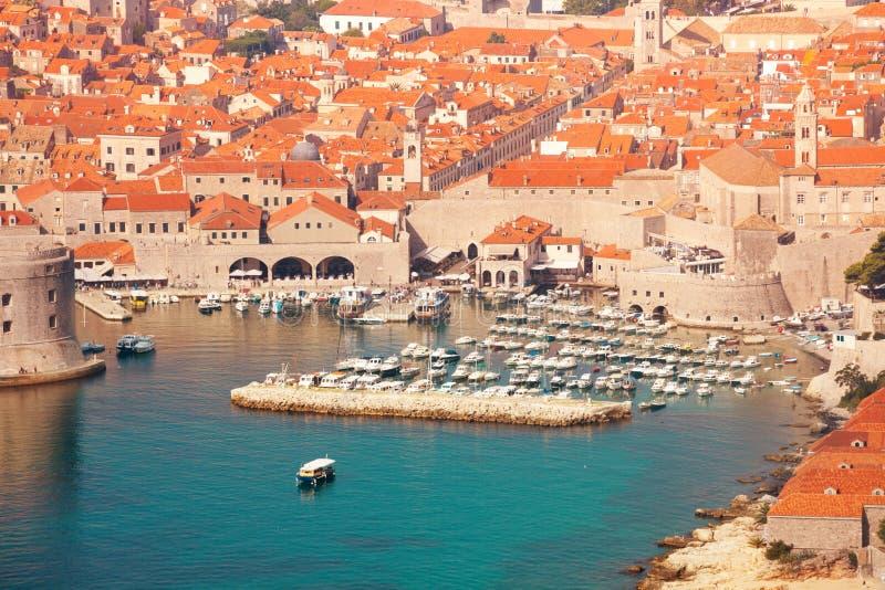Τοίχοι και λιμένας Dubrovnik στοκ φωτογραφίες με δικαίωμα ελεύθερης χρήσης