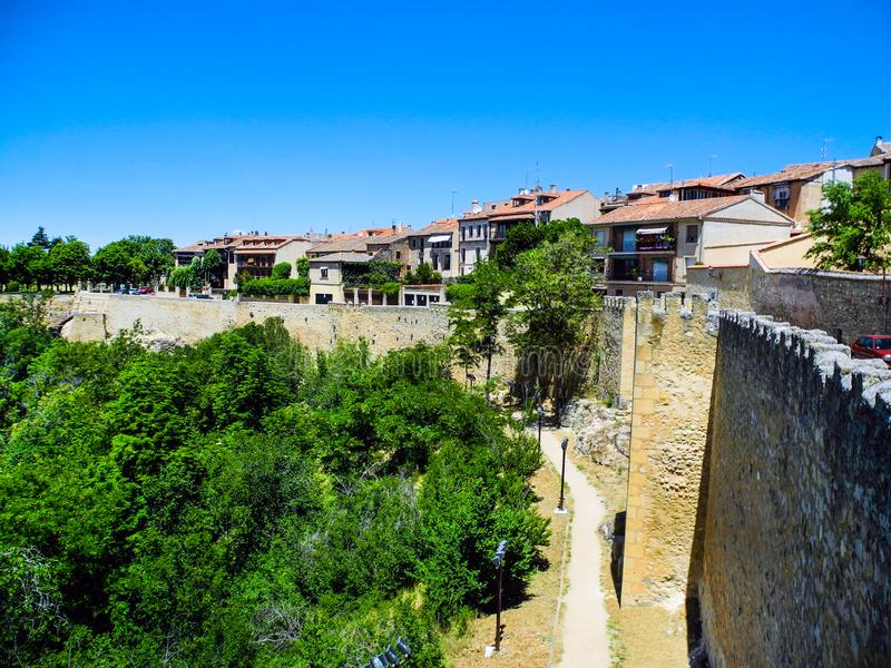 Τοίχοι στην παλαιά πόλη, Segovia, Ισπανία στοκ εικόνες