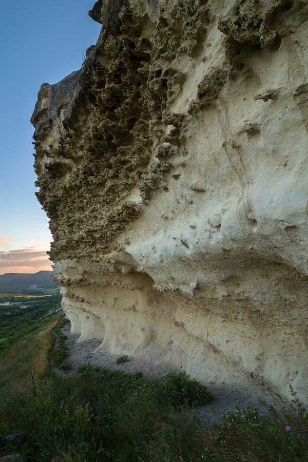 Τοίχοι της πόλης Bakla σπηλιών σε Bakhchysarai Raion, Κριμαία στοκ εικόνα με δικαίωμα ελεύθερης χρήσης